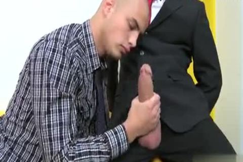 Muscle Cub ass Creampie