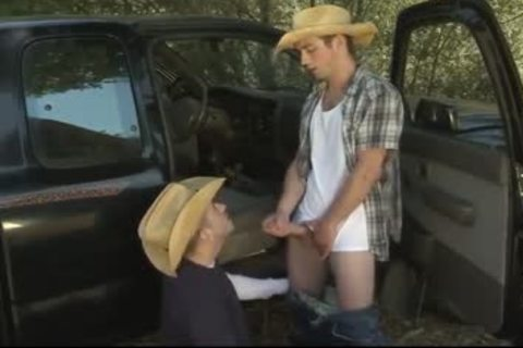 Country guys Try Buddy Bating