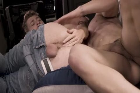 lascivious boy Got drilled By A Muscle man